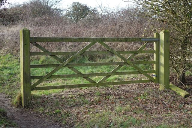 Past this 5 bar gate into Heswall Field.