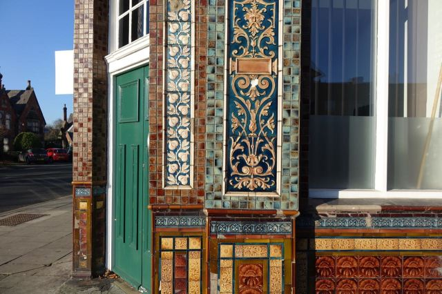 Sadly not a pub anymmore, The Royal, but still beautifully tiled.