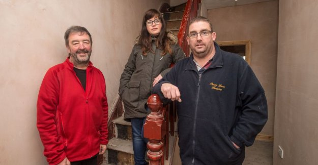 The Coming Home team on site. Me, Jayne Lawless and Steve Ross of Penny Lane Builders.